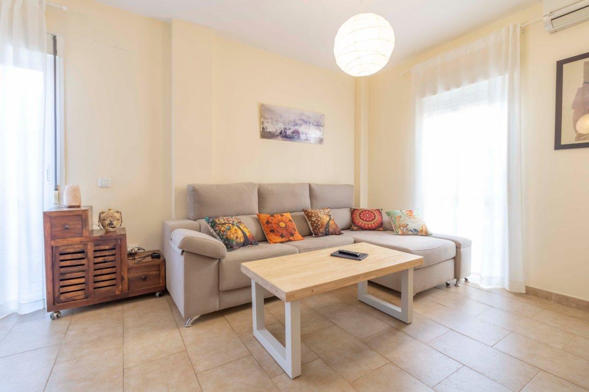 Casa adosada en urbanizaciÓn privada a la venta en valencina de la concepciÓn - imagenInmueble4