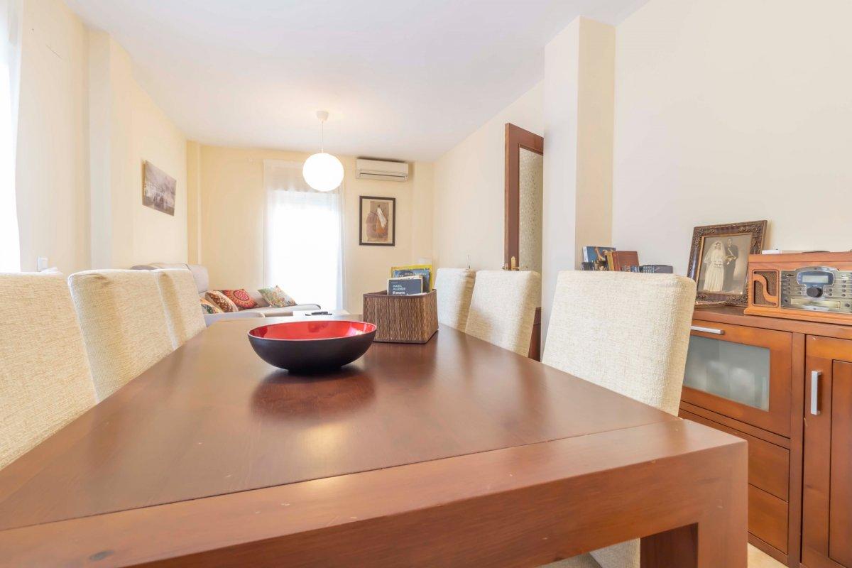 Casa adosada en urbanizaciÓn privada a la venta en valencina de la concepciÓn - imagenInmueble5
