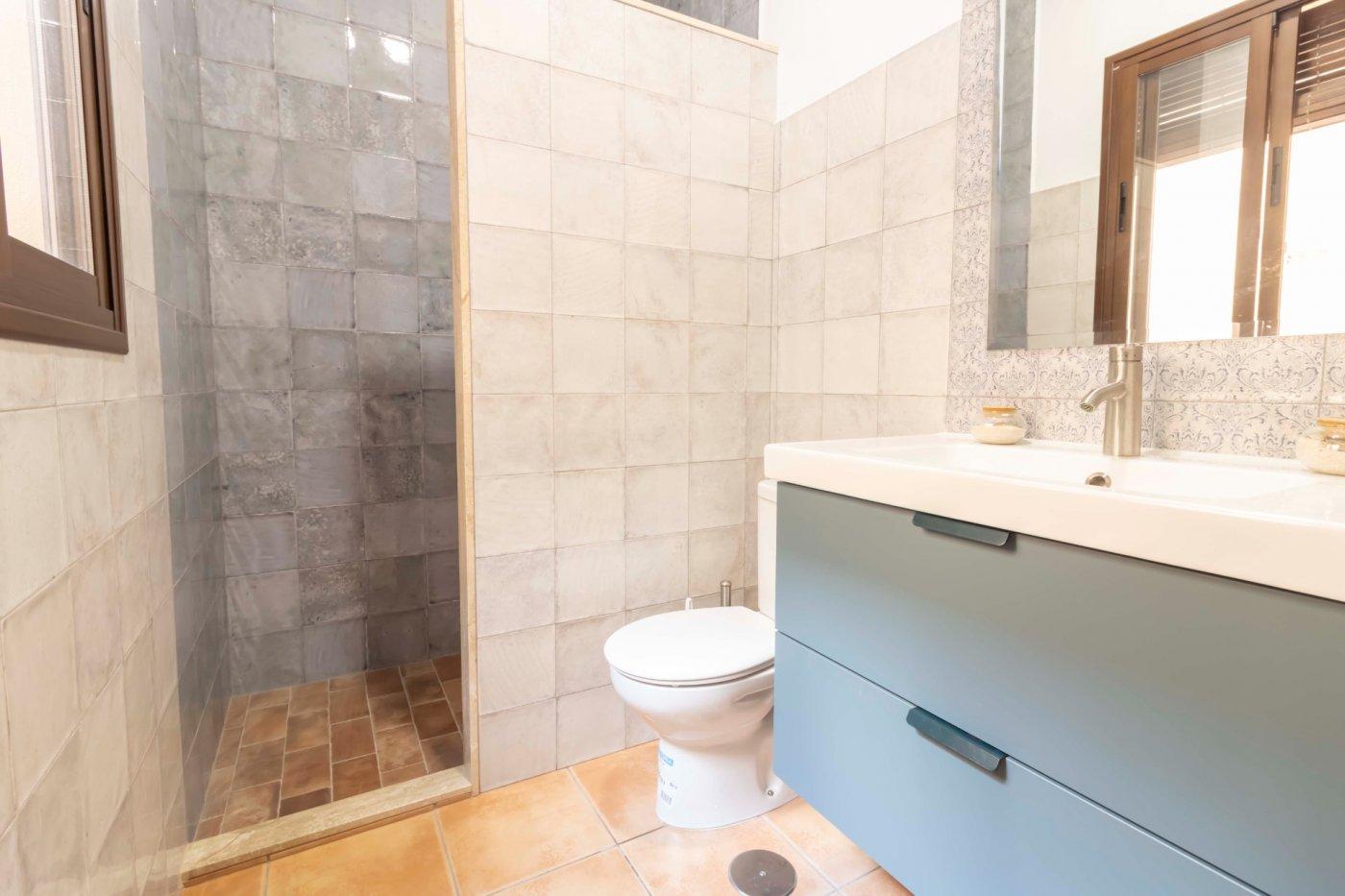 Casa de reciente construccion a la venta en carmona - imagenInmueble16