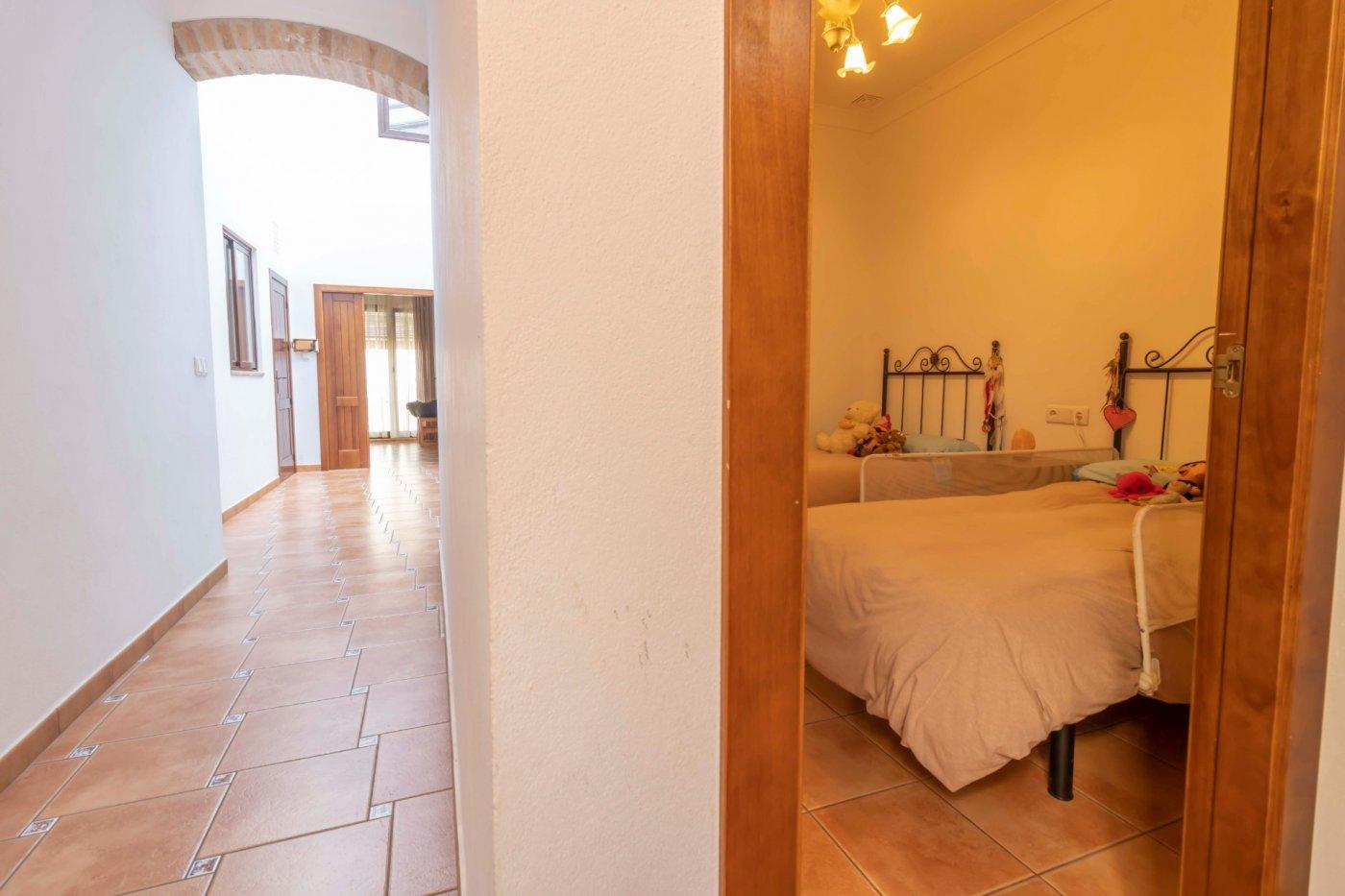 Casa de reciente construccion a la venta en carmona - imagenInmueble20
