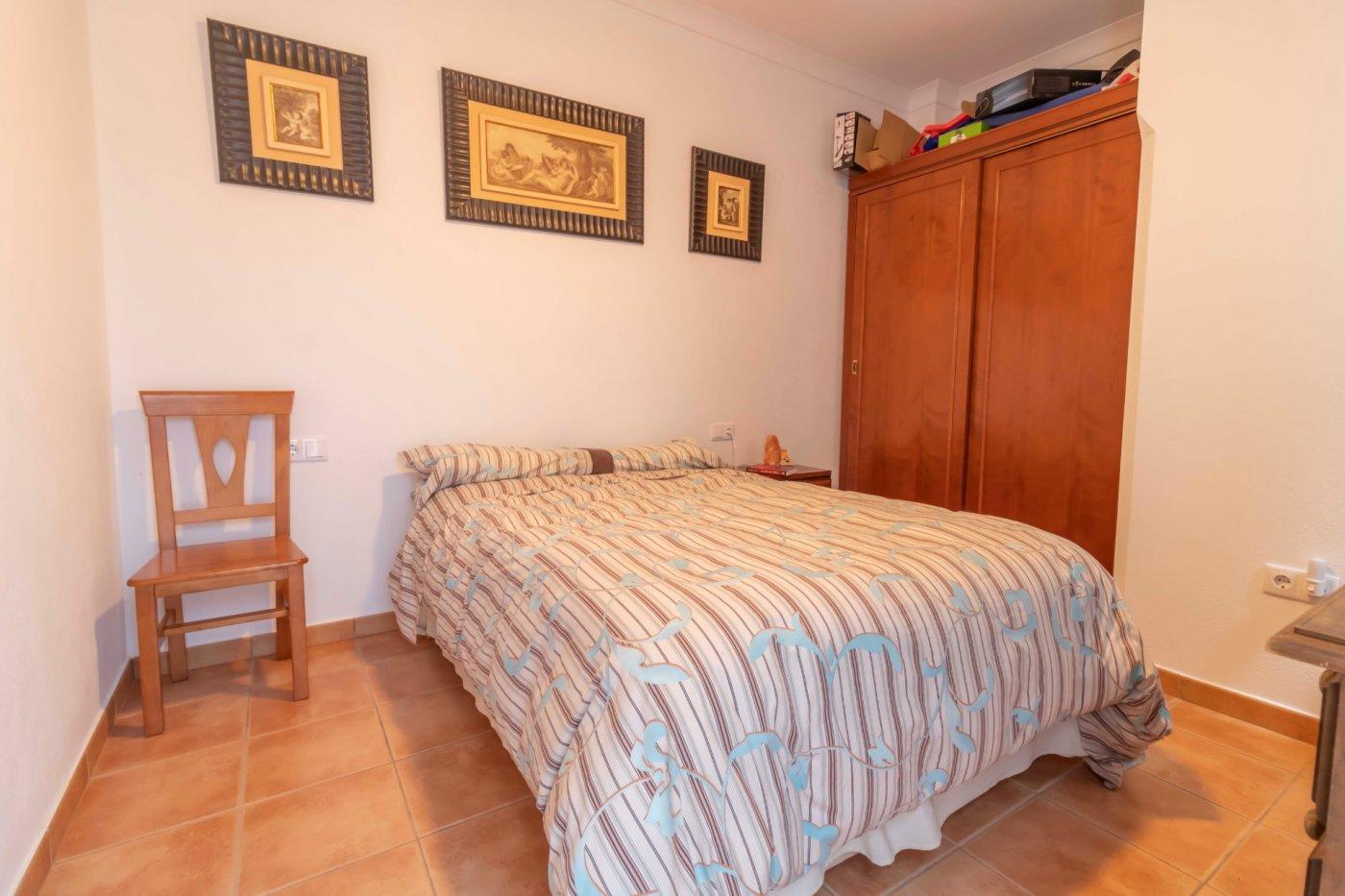 Casa de reciente construccion a la venta en carmona - imagenInmueble21