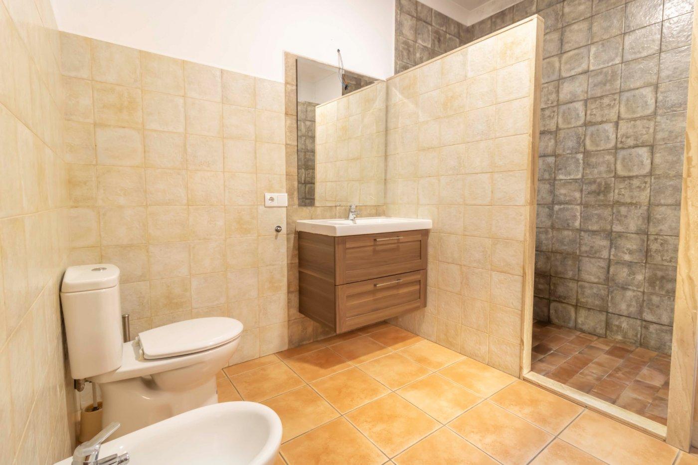 Casa de reciente construccion a la venta en carmona - imagenInmueble24