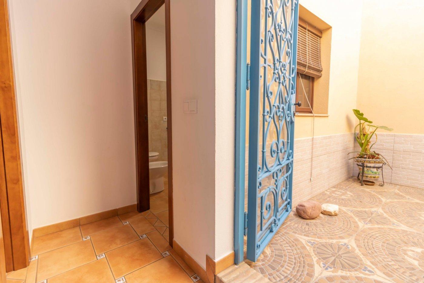 Casa de reciente construccion a la venta en carmona - imagenInmueble28