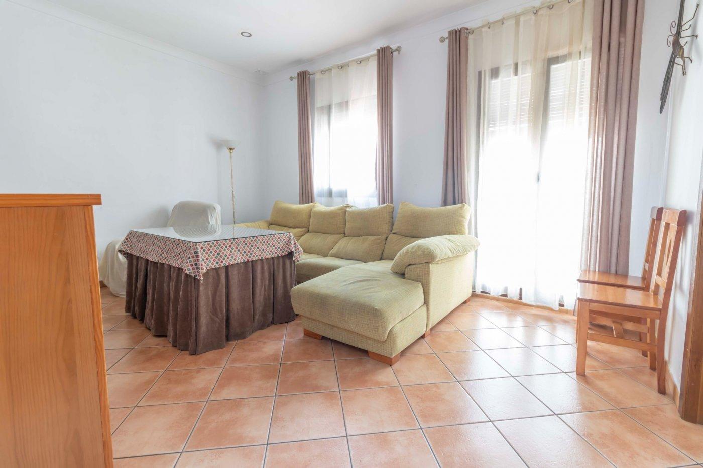 Casa de reciente construccion a la venta en carmona - imagenInmueble2