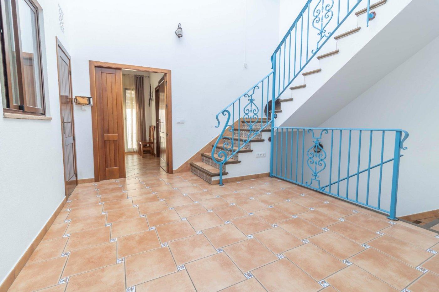 Casa de reciente construccion a la venta en carmona - imagenInmueble32