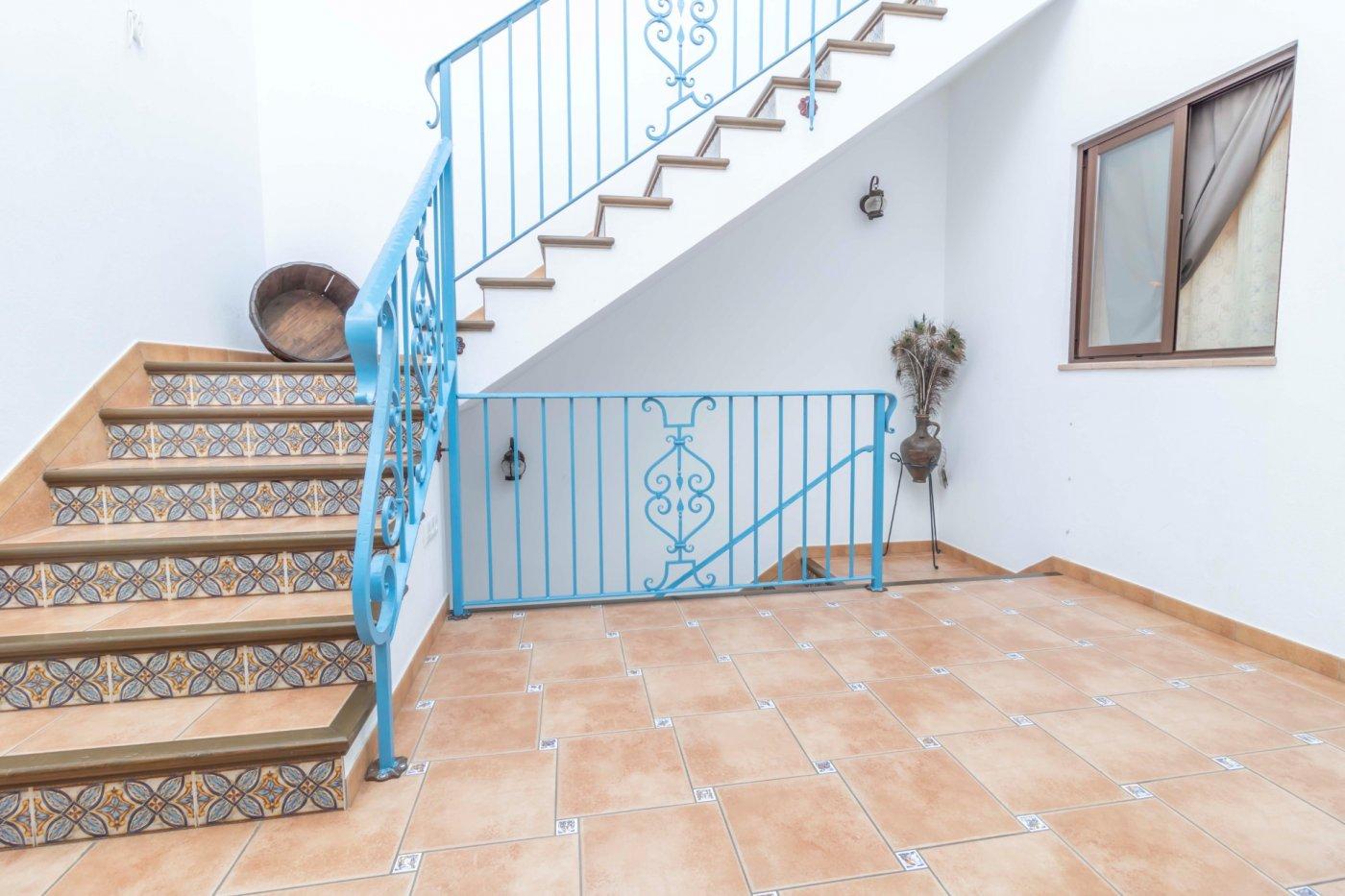 Casa de reciente construccion a la venta en carmona - imagenInmueble33