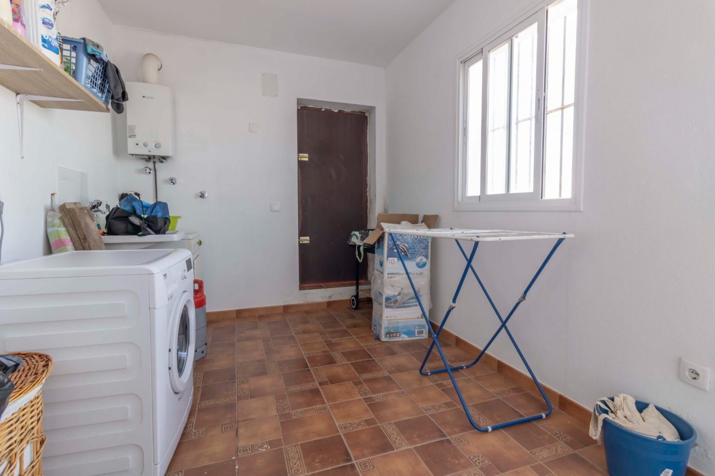 Casa de reciente construccion a la venta en carmona - imagenInmueble35