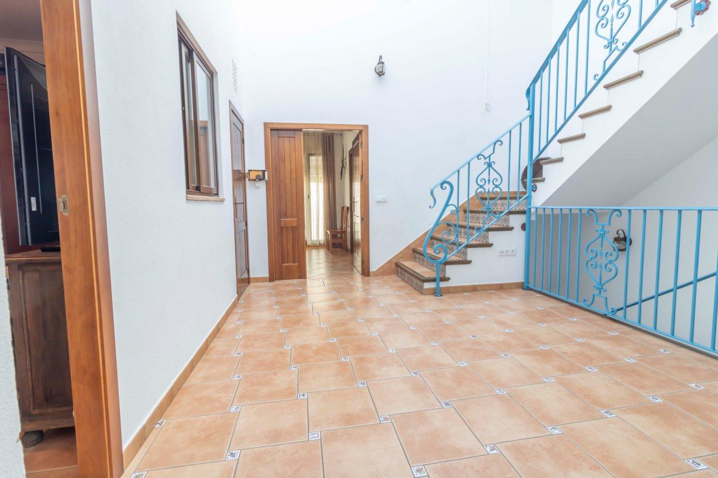 Casa de reciente construccion a la venta en carmona - imagenInmueble8