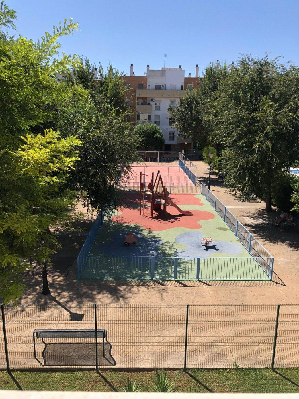 Piso de alquiler en urbanizacion con piscina en mairena del aljarafe - imagenInmueble26