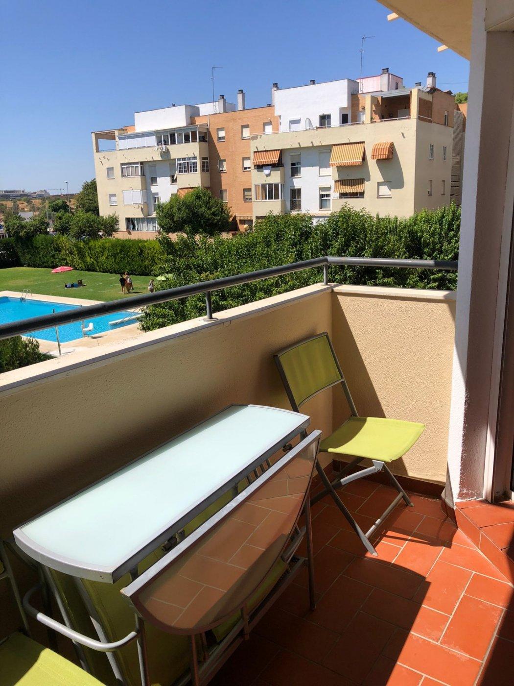 Piso de alquiler en urbanizacion con piscina en mairena del aljarafe - imagenInmueble5
