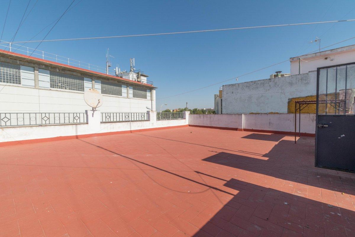 Casa de 3 plantas a la venta en el cerro del aguila - imagenInmueble17