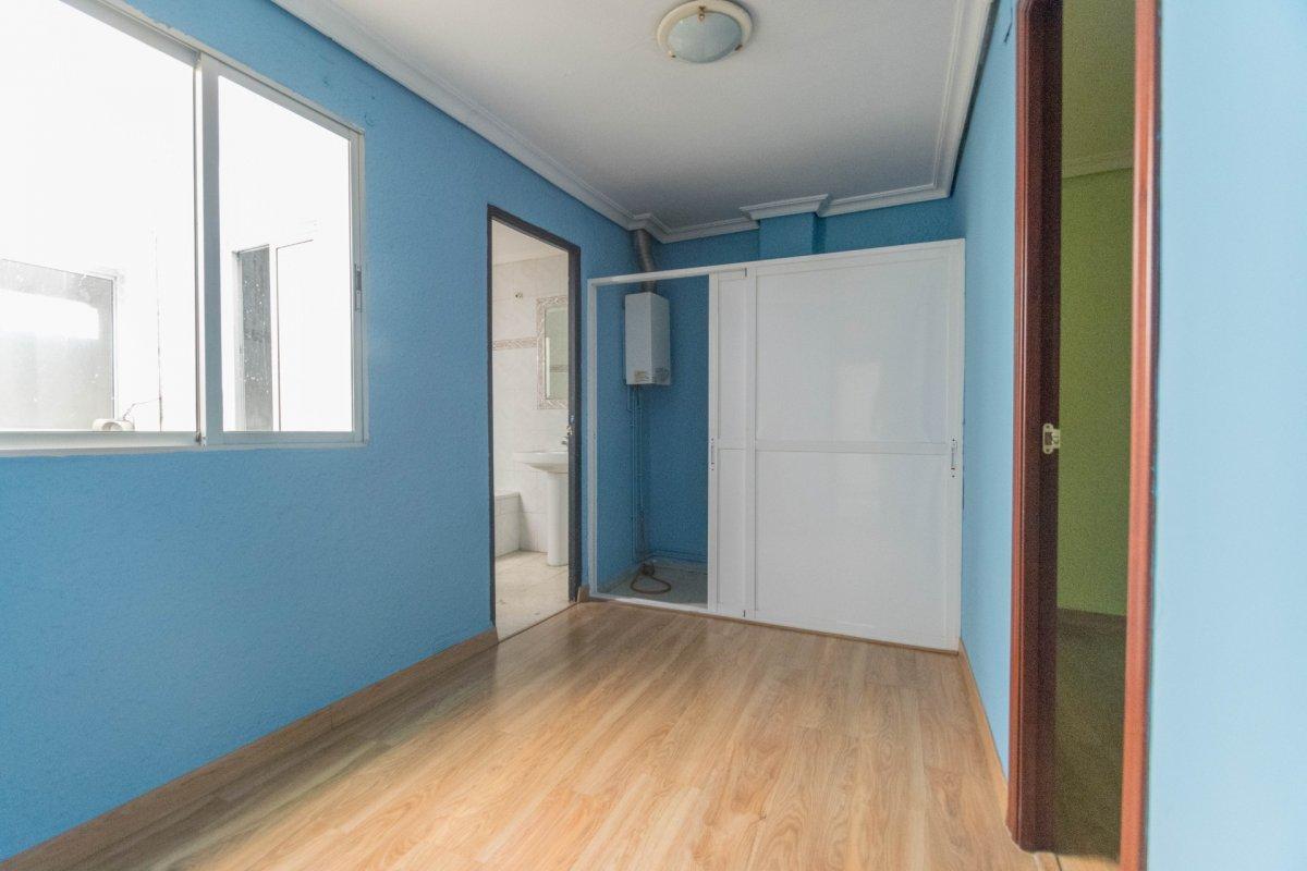 Casa de 3 plantas a la venta en el cerro del aguila - imagenInmueble22