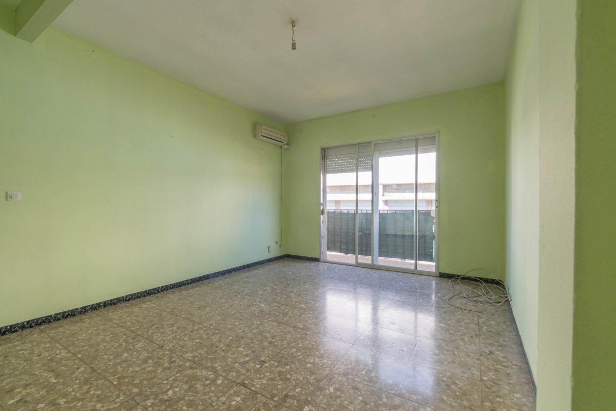 Casa de 3 plantas a la venta en el cerro del aguila - imagenInmueble24
