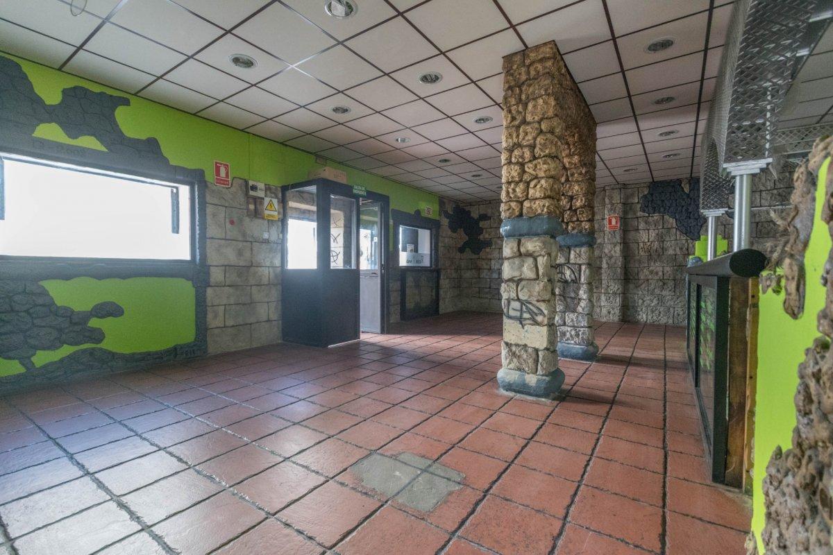Casa de 3 plantas a la venta en el cerro del aguila - imagenInmueble2
