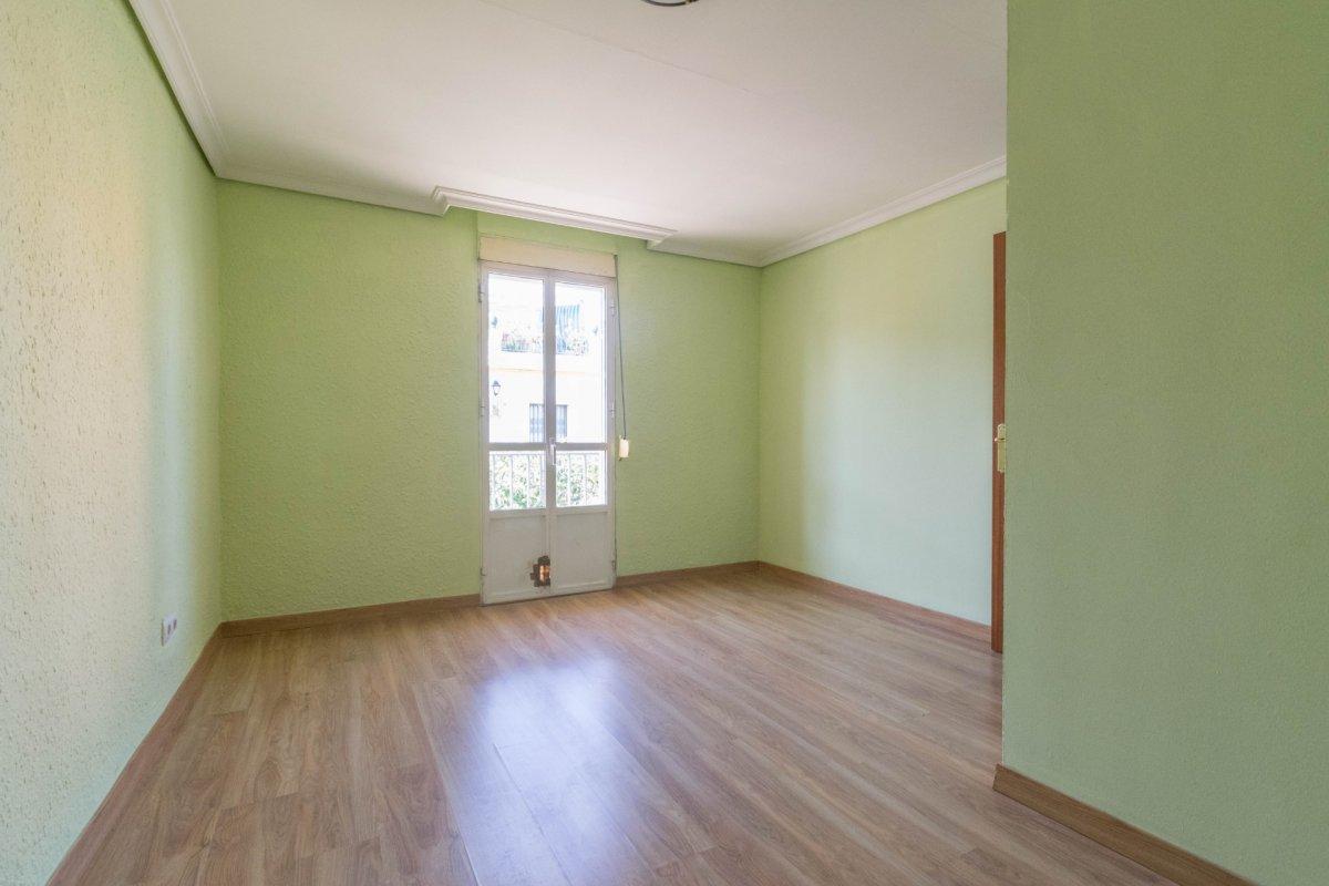 Casa de 3 plantas a la venta en el cerro del aguila - imagenInmueble32