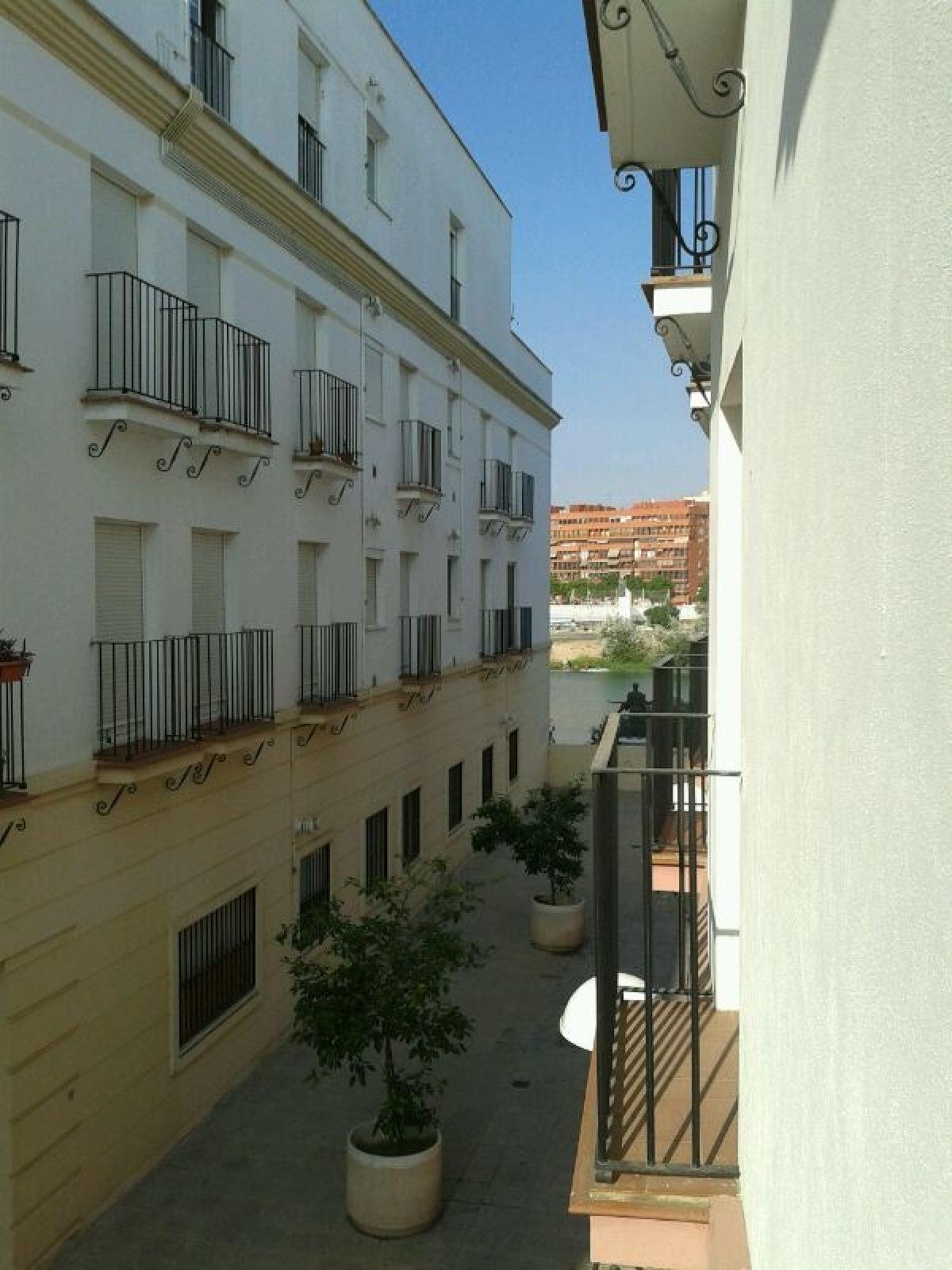 Piso en alquiler en Altozano - Pagés del Corro, Sevilla