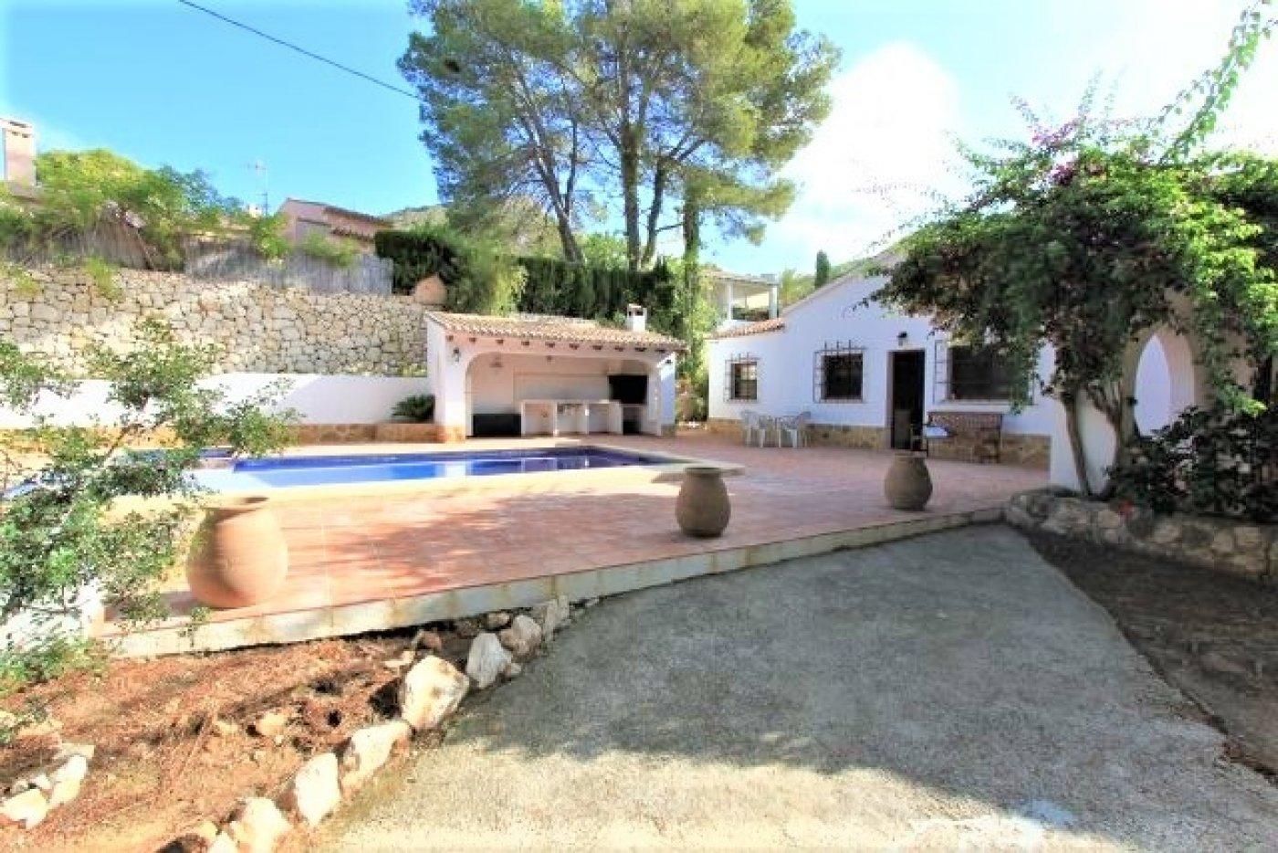 villa en moraira · el-portet 1300€