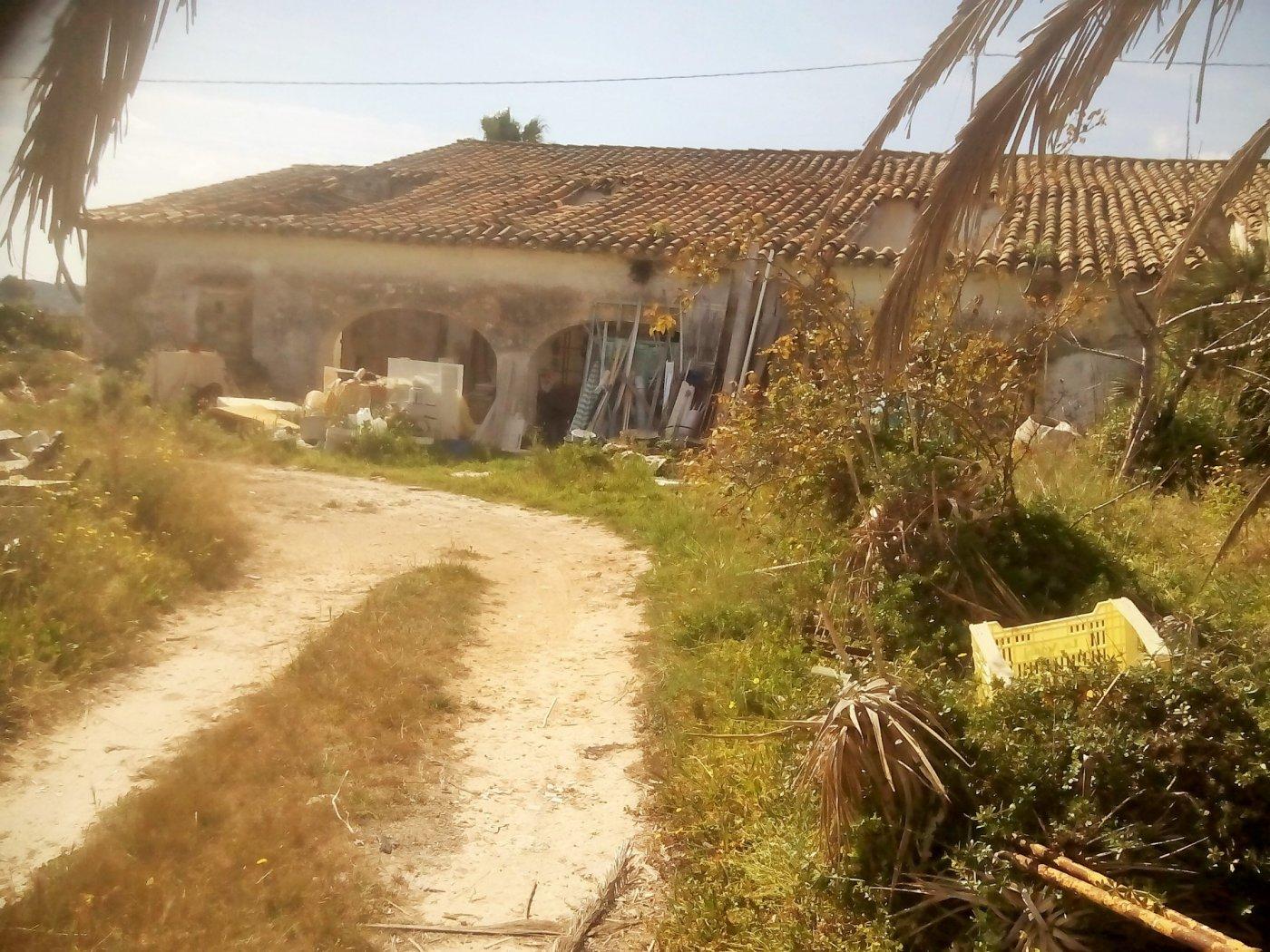 country-house en benissa · afueras-de-la-poblacion 125000€