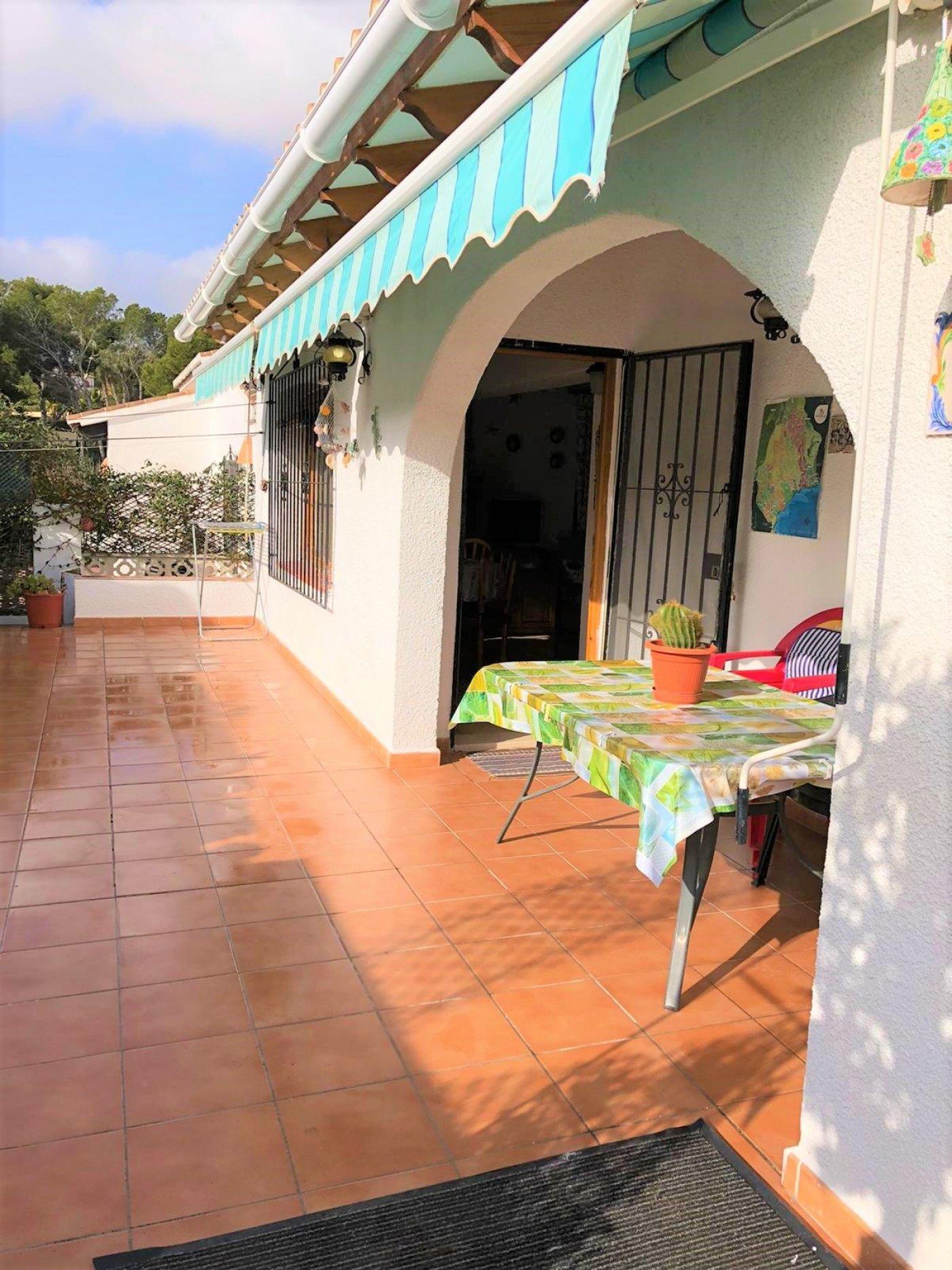 villa en moraira · el-pinar 850€