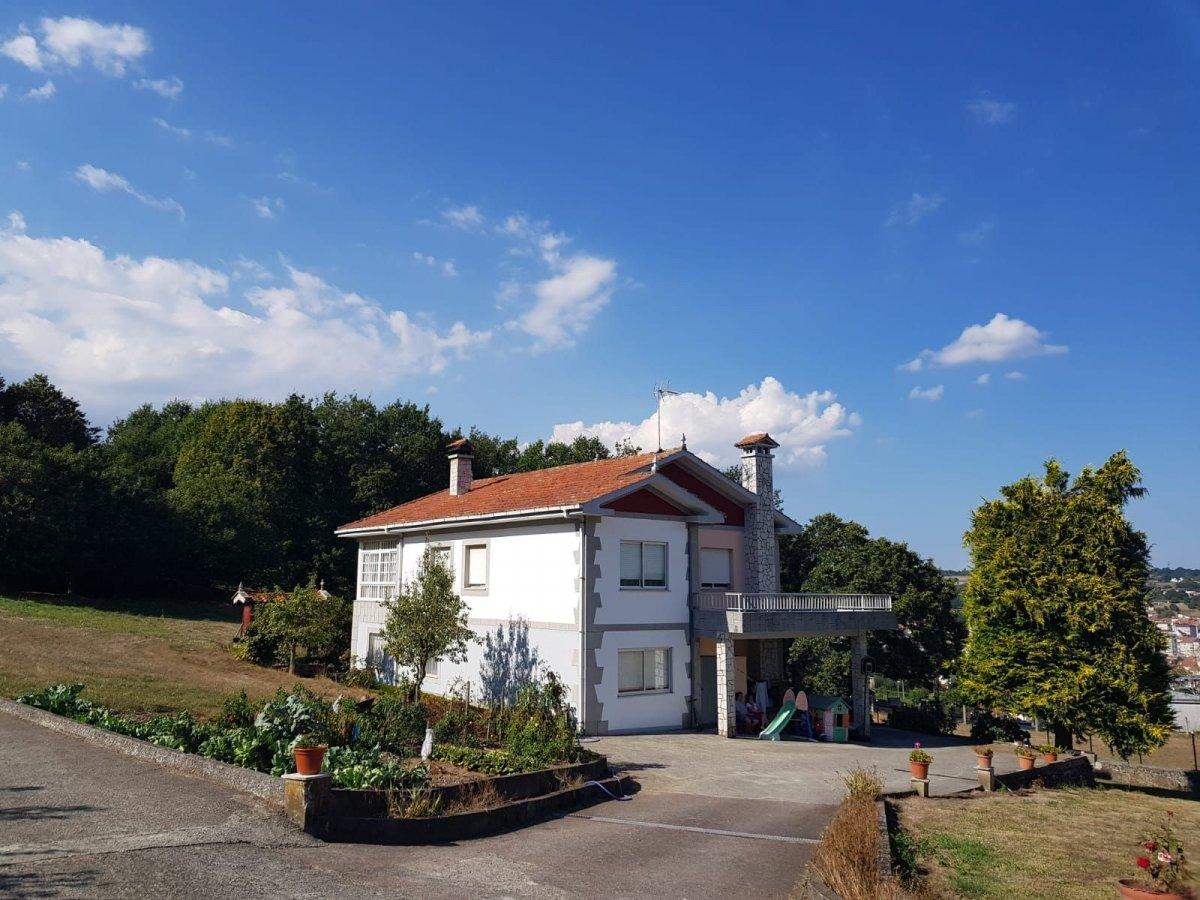 Casa en venta con 248 m2,  en Chantada
