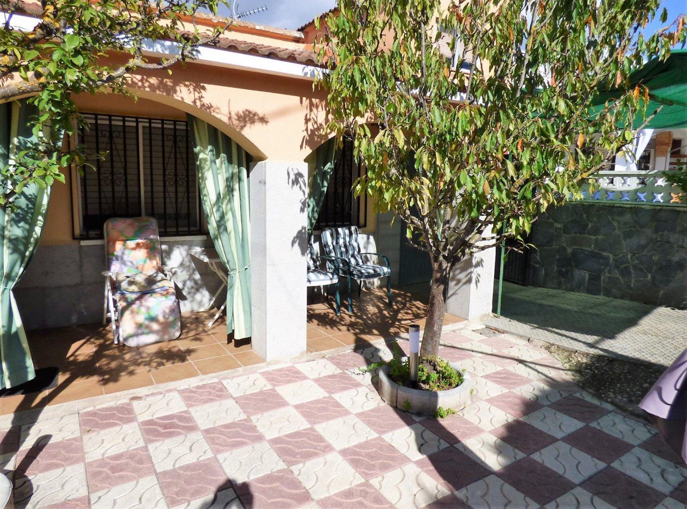 casa en sant-salvador-de-guardiola · el-calvet 121000€