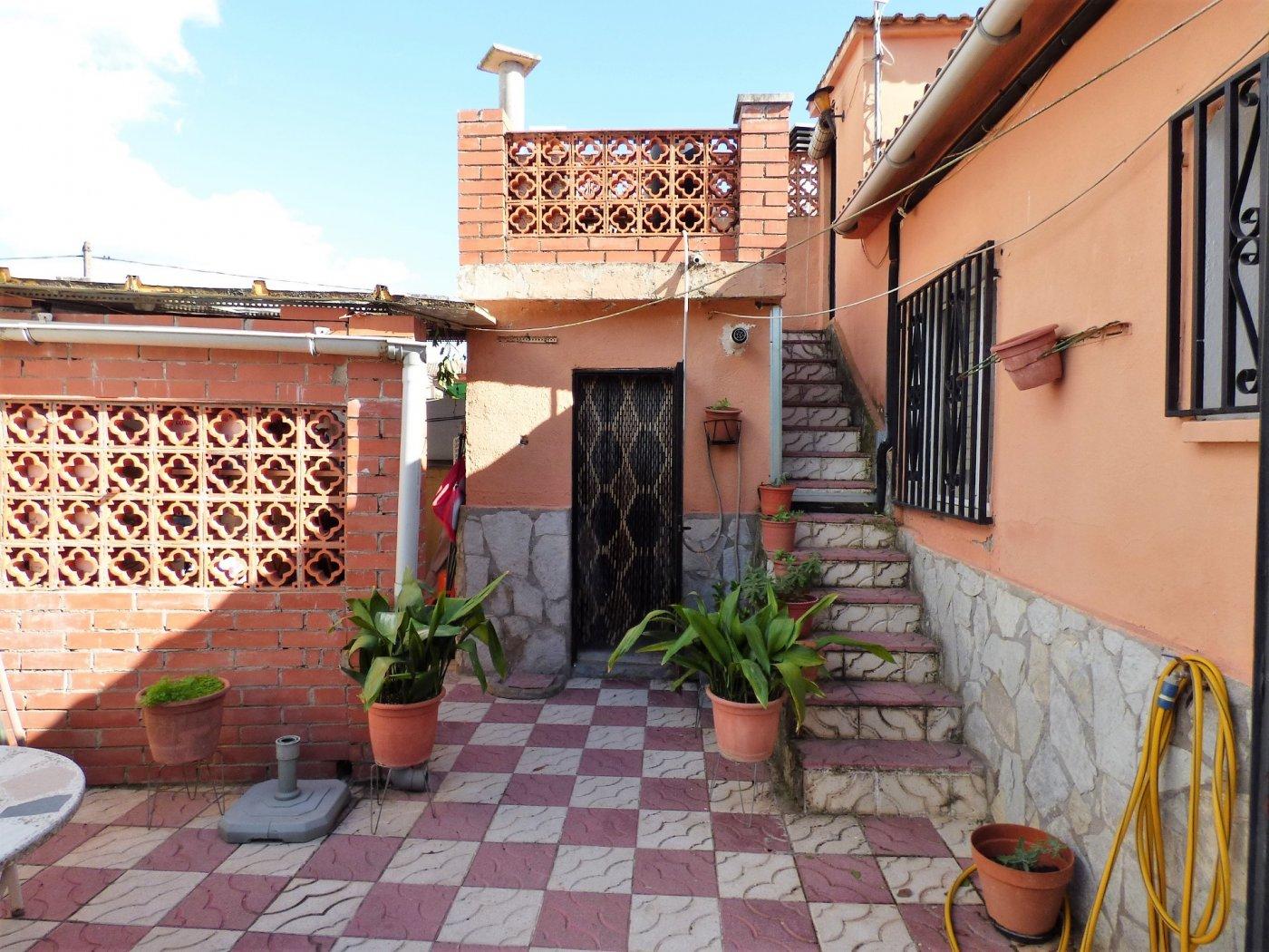 Casa · Sant Salvador De Guardiola · El Calvet 121.000€€