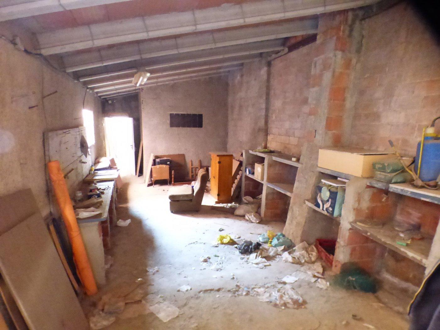 casa en venta para reformar en el centro de navarcles