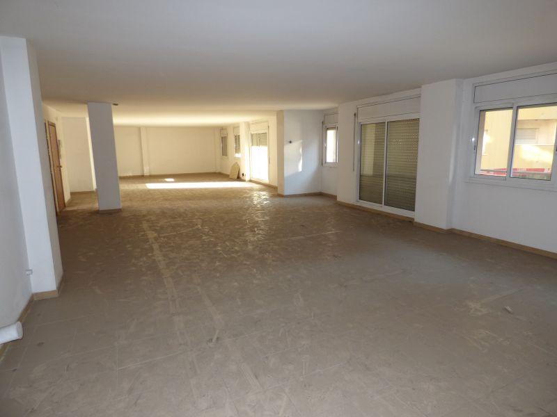 oficina en manresa · carrer-barcelona 1100€