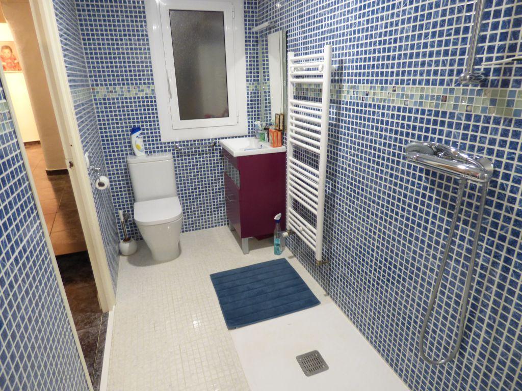 piso reformado en venta de 3 habitaciones en la zona oms i de prat de manresa