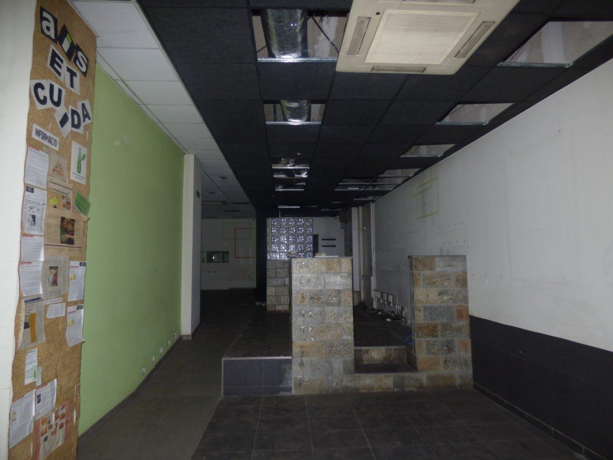 local comercial ideal para restauraciÓn en alquiler en la zona de Àngel guimerÀ de manresa
