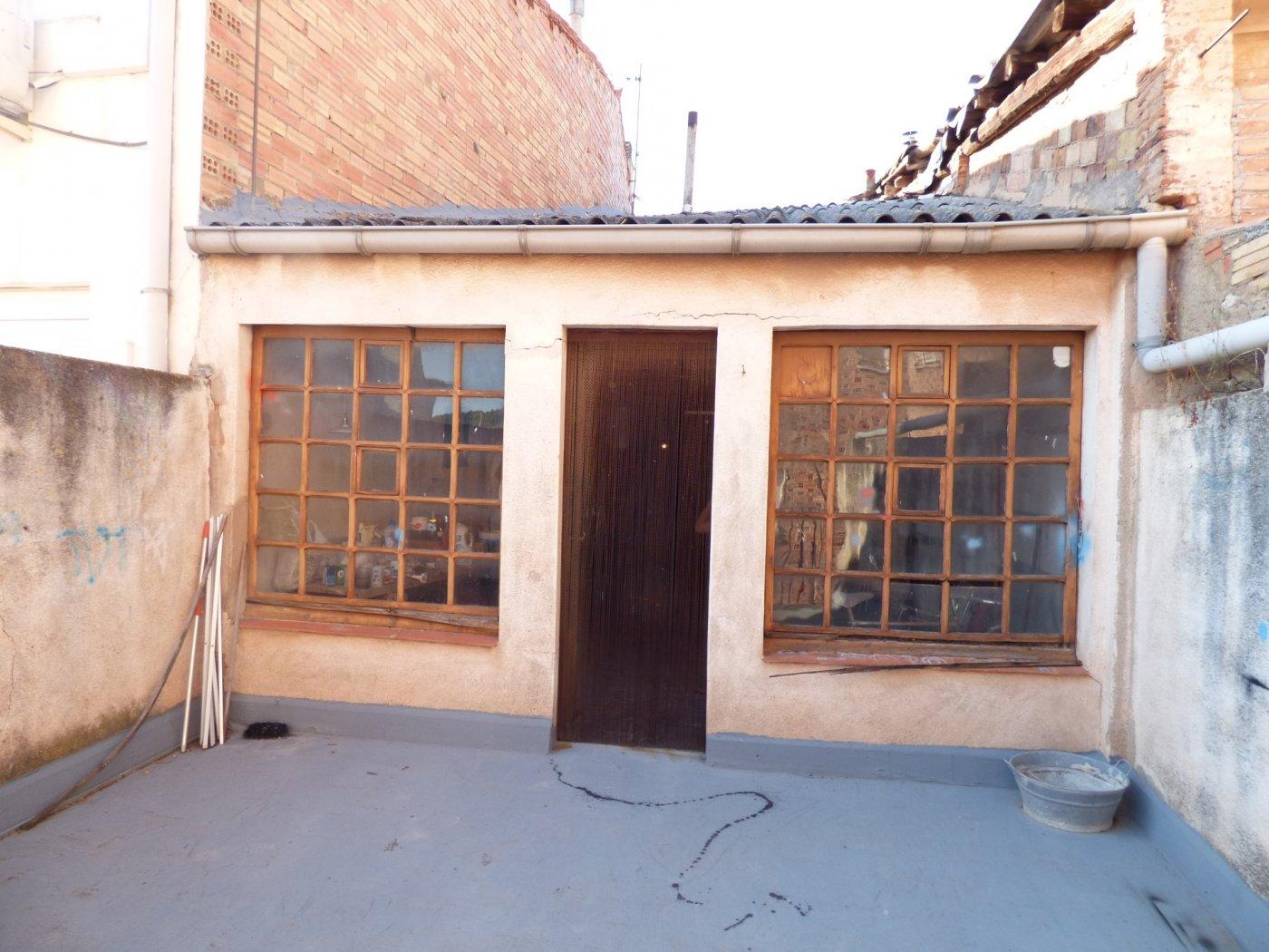 casa para reformar en venta de 5 habitaciones en el centro de artÉs