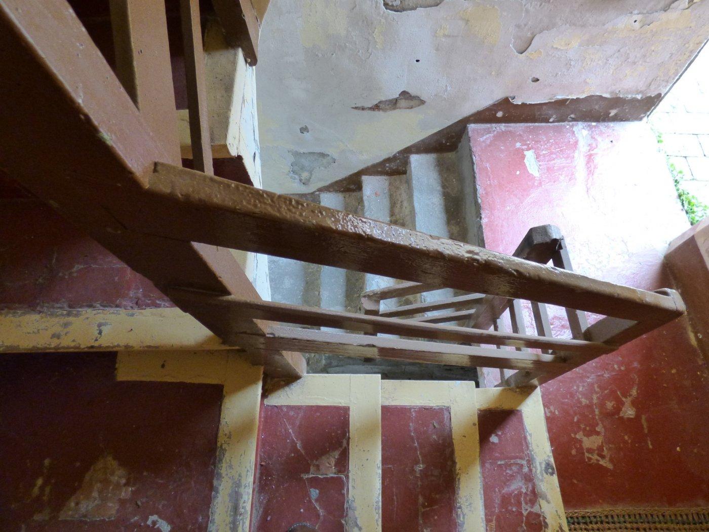 piso para reformar en zona tranquila de suria a un paso del centro en venta
