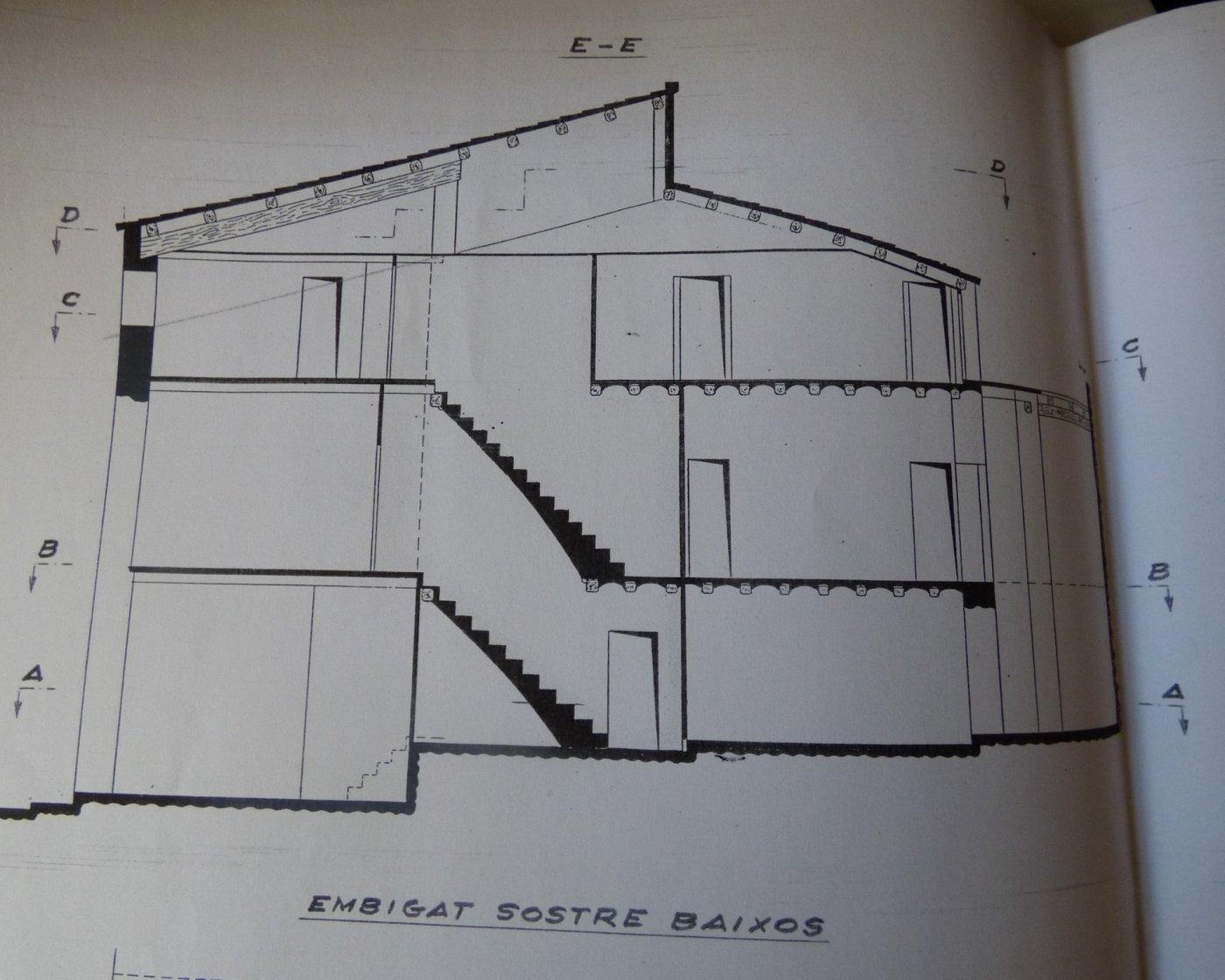 casa de piedra de tres plantas para rehabilitar en venta en navarcles