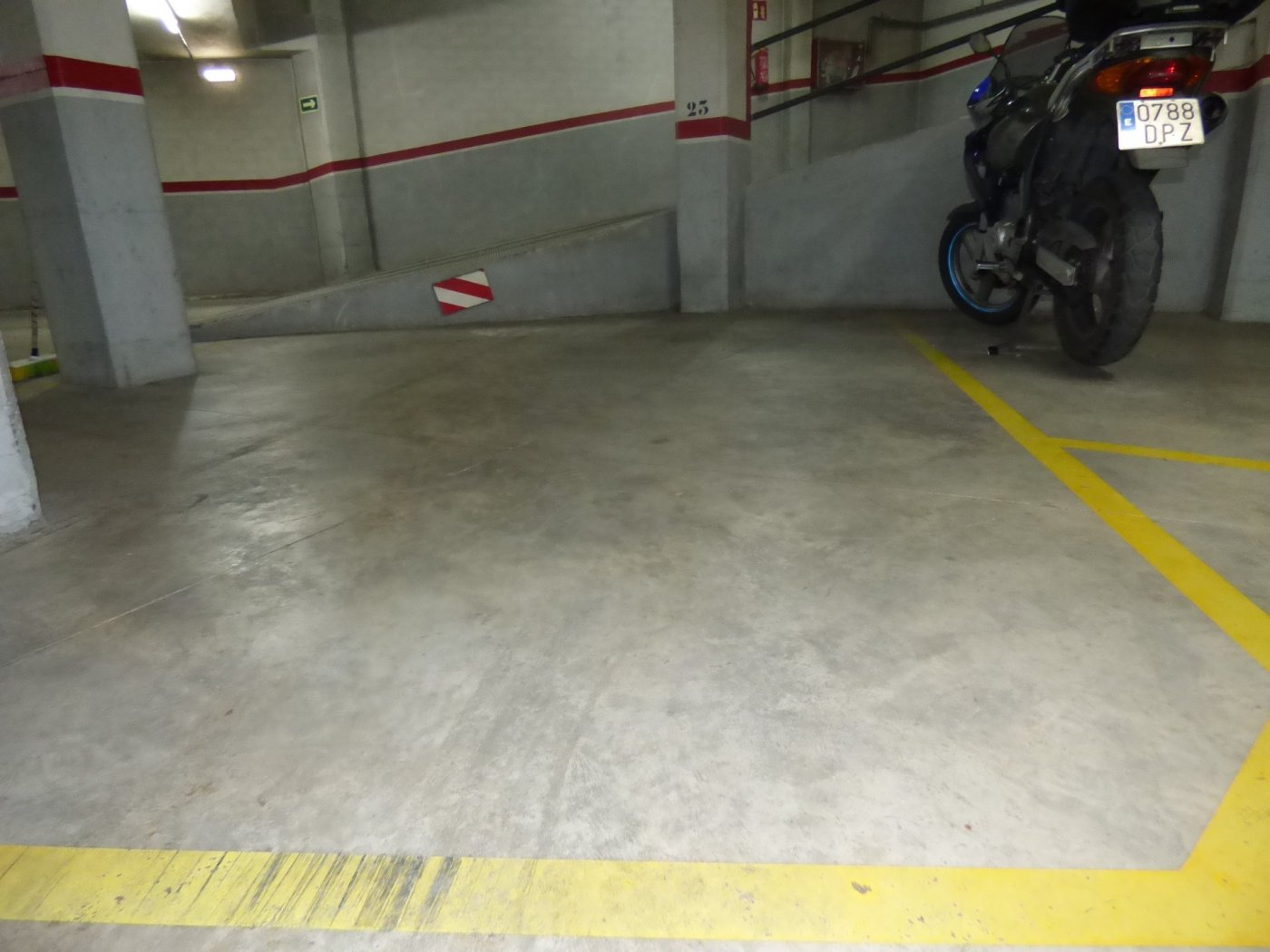 plaza de aparcamiento en venta en zona de oms i de prat (manresa)