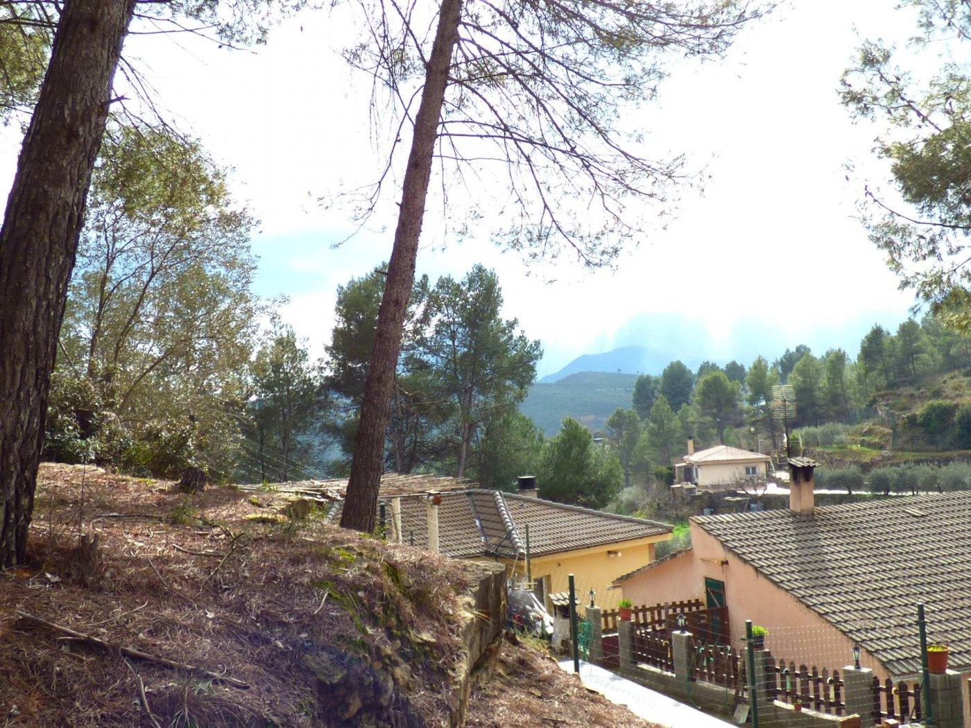 terreno urbanizable con impresionantes vistas en castellgalÍ