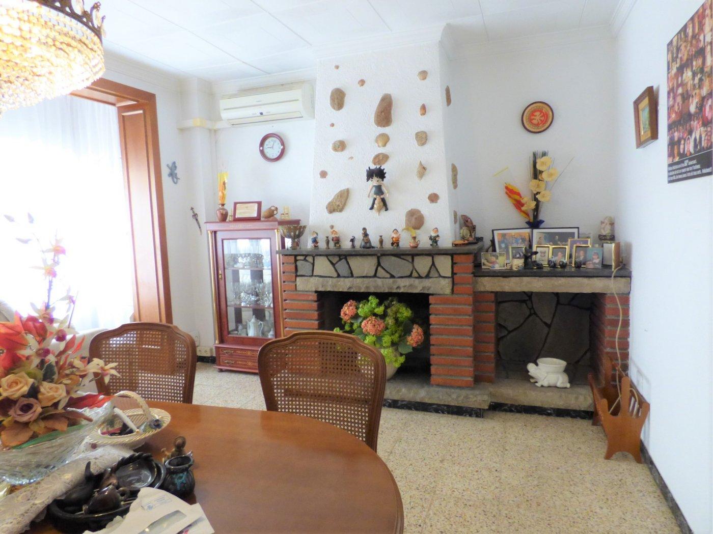 casa en el-pont-de-vilomara-i-rocafort · centro 146000€