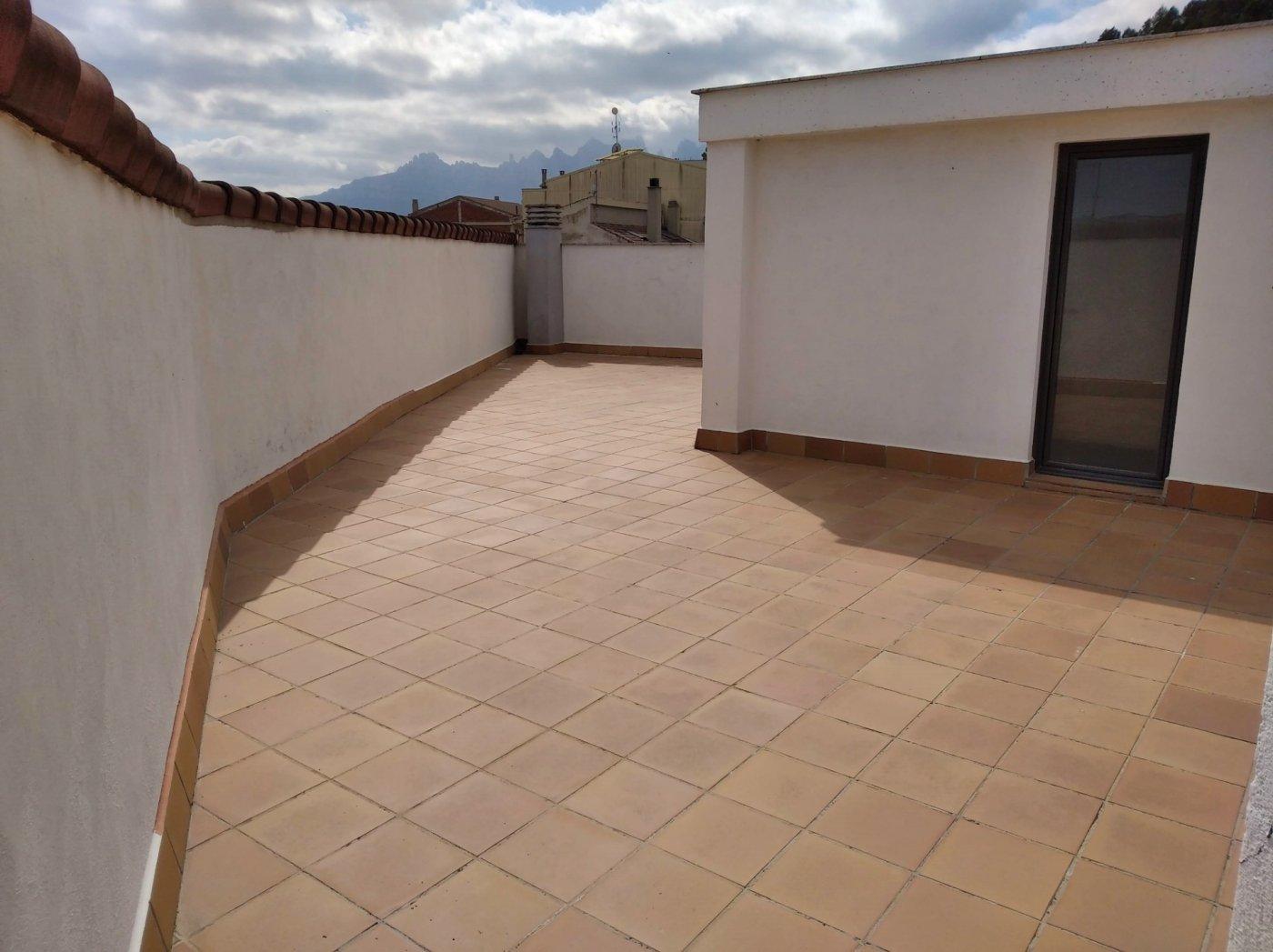 amplio piso seminuevo de tres habitaciones en venta en castellgalÍ