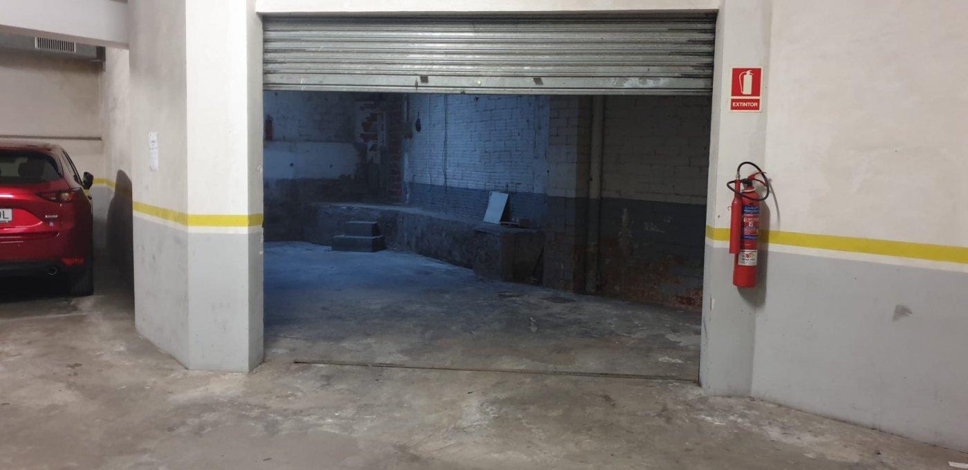 garaje en manresa · oms-i-de-prat 22000€
