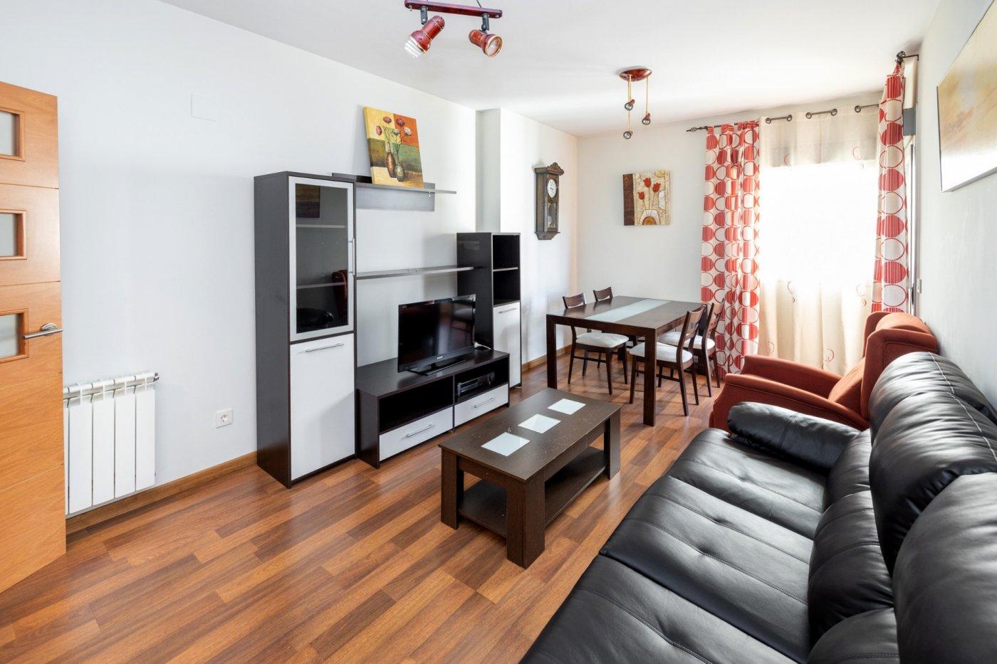 Fantástico piso a la venta para vivir o para invertir, Granada