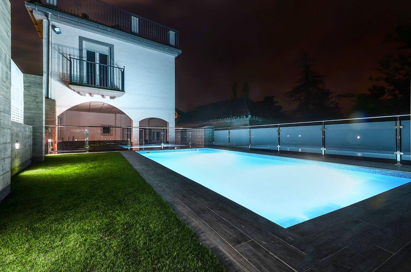 Bonito chalet con piscina en uno de los enclaves más espectaculares de granada