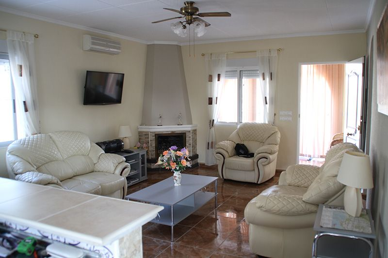 VILLA FOR SHORT TERM RENTING IN TORREVIEJA (Precio a consultar) (La siesta)