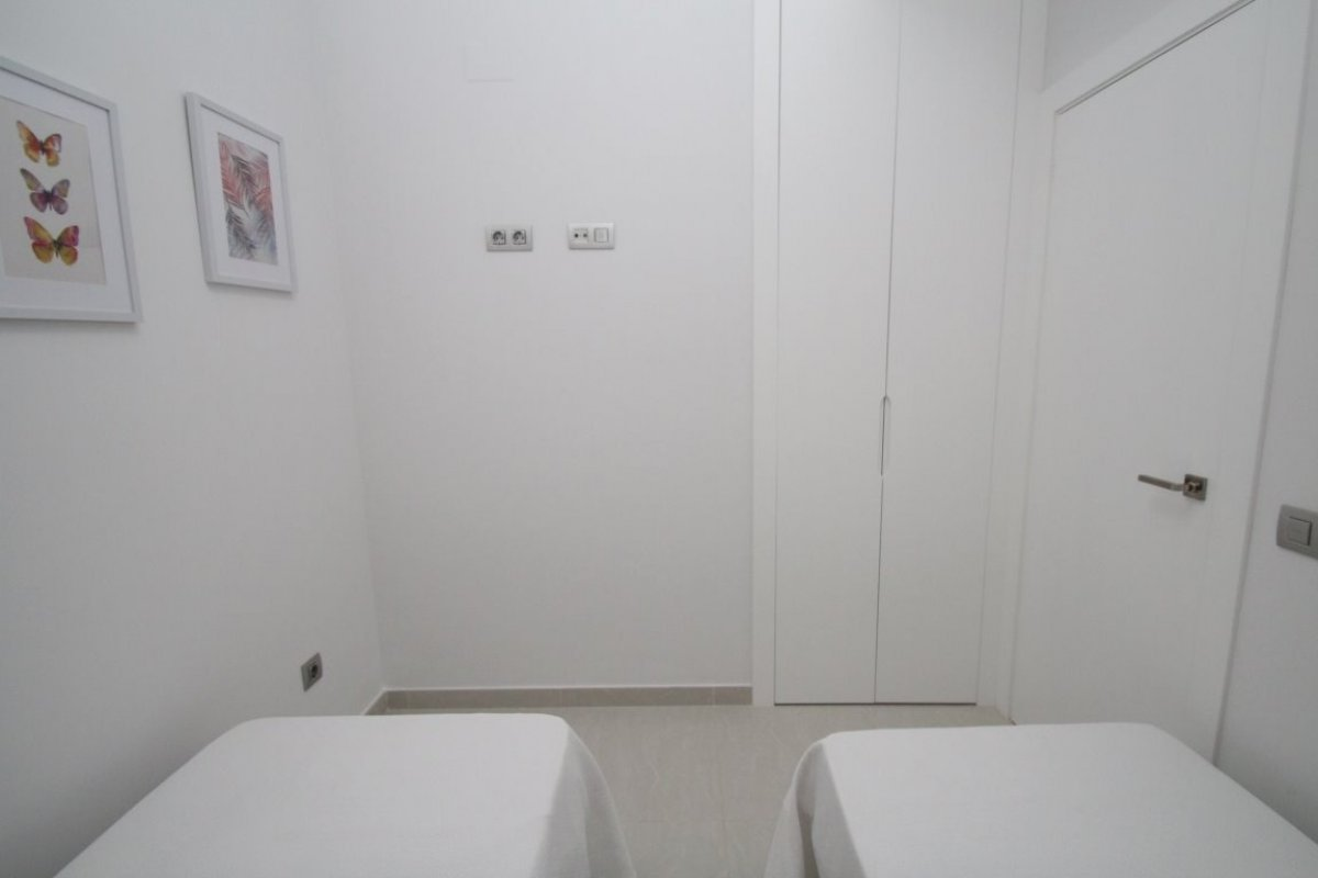 NEW APARTMENTS IN TORREVIEJA CENTER (Centro)