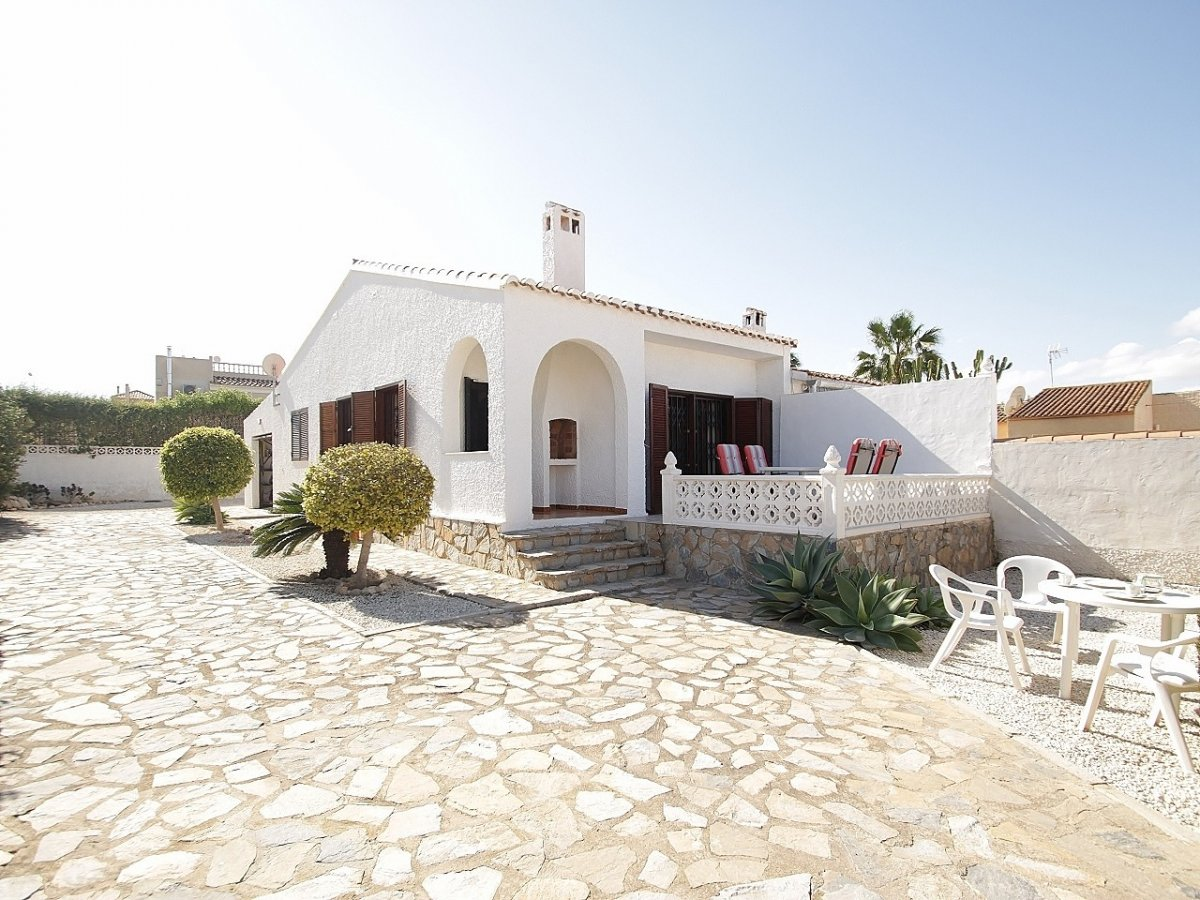 Semi detached villa in El Chaparral - Torrevieja (El chaparral)