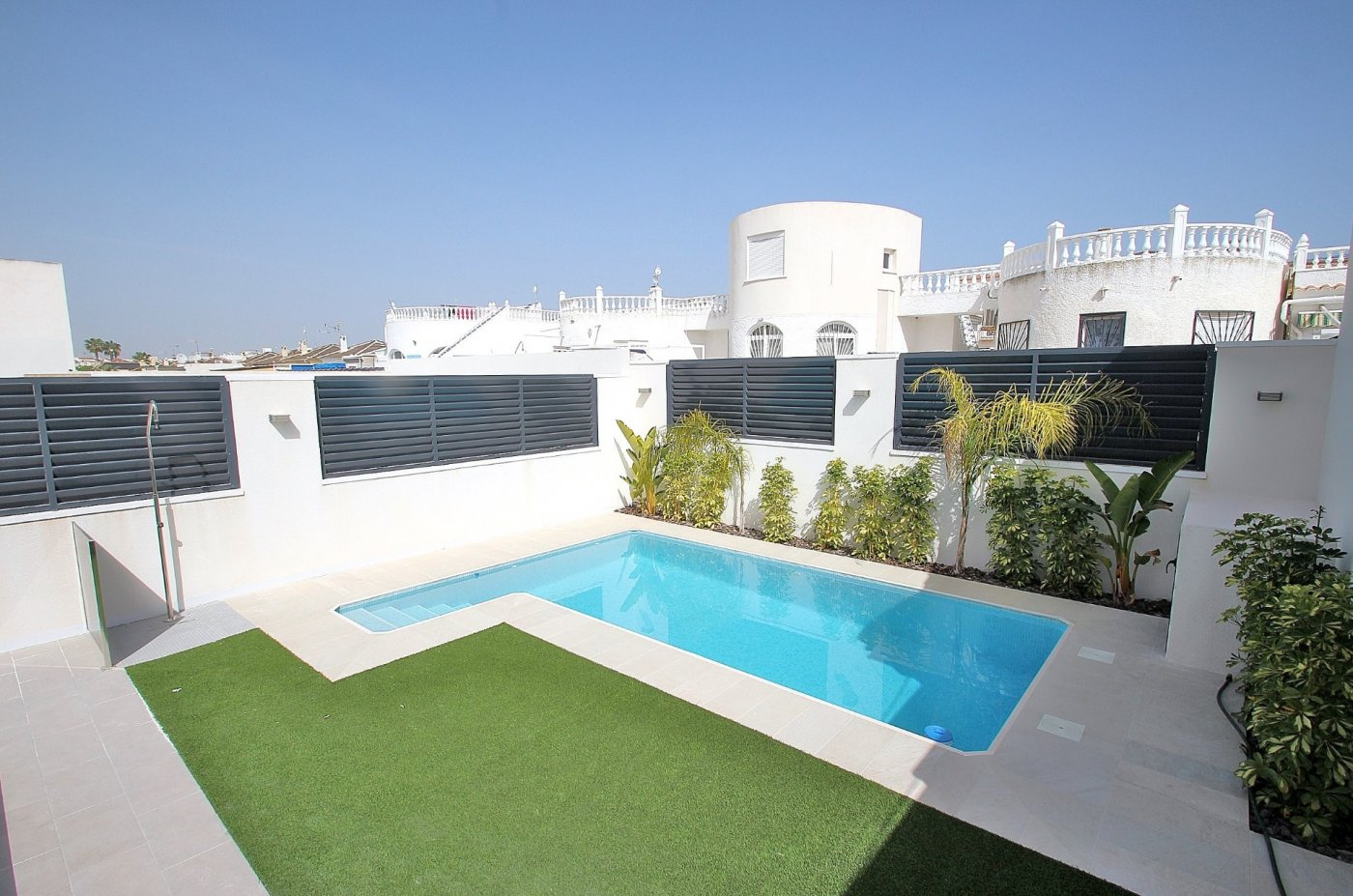 DETACHED VILLA OF NEW WORK IN LA SIESTA - TORREVIEJA (La siesta)