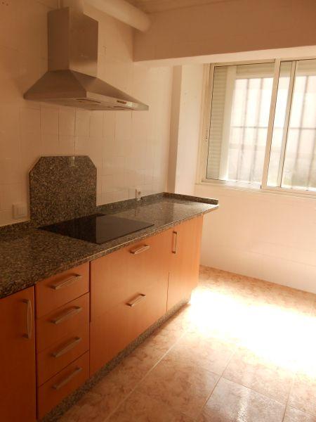 Ref: 0012 Los Oficios, se vende piso 75.000 €