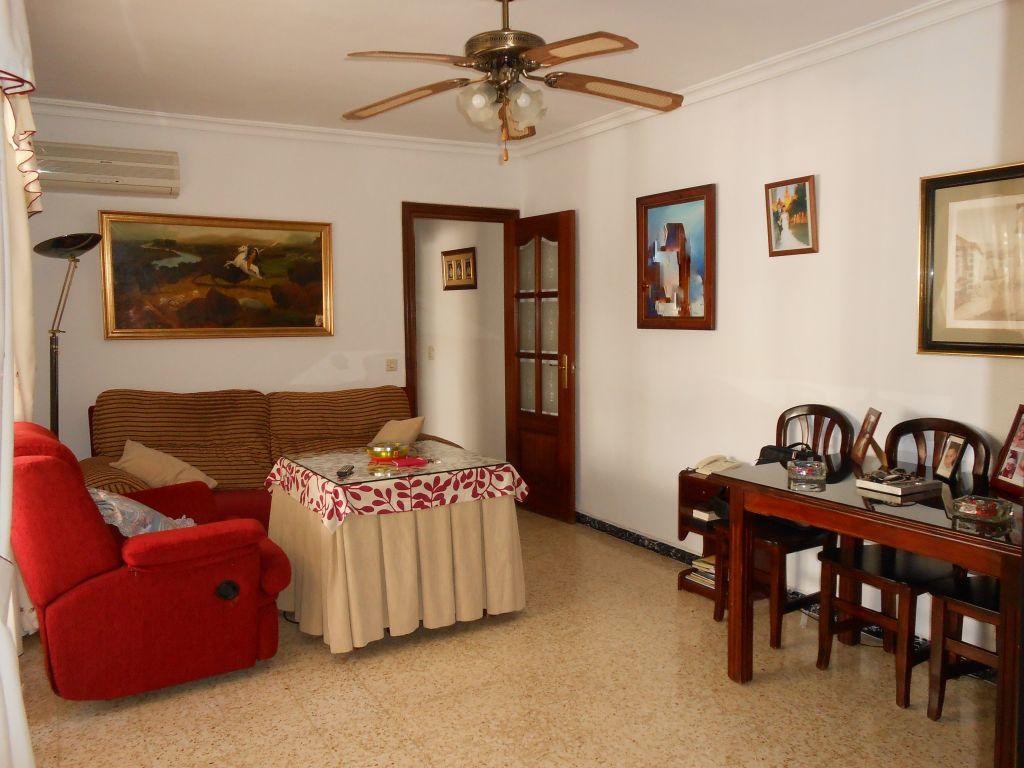Ref: 0061 Los Oficios, se vende piso 75.000€