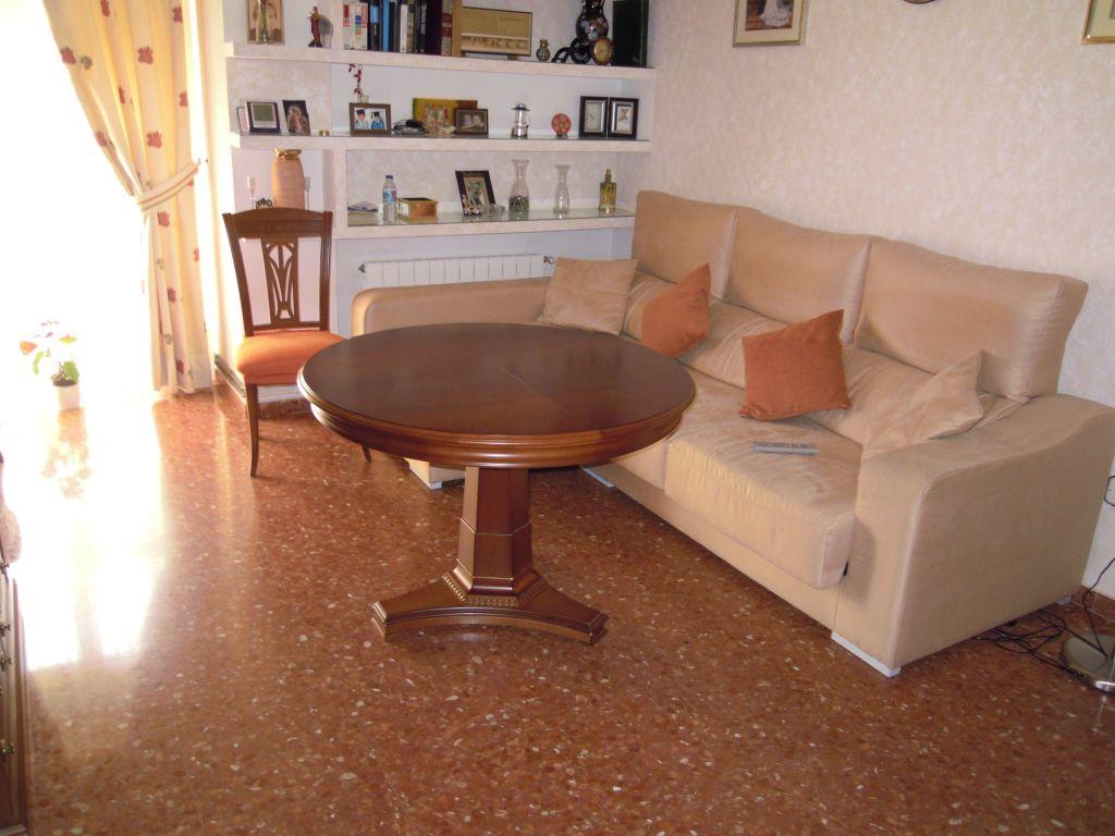 REF: 0064, LAS ESTRELLAS, SE VENDE PISO, 80.000€
