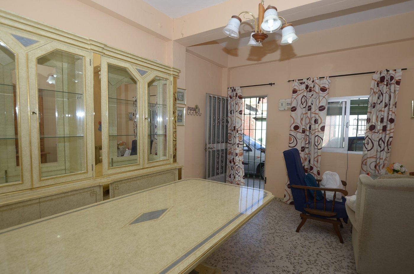 casa en algeciras · la-pinera 30000€