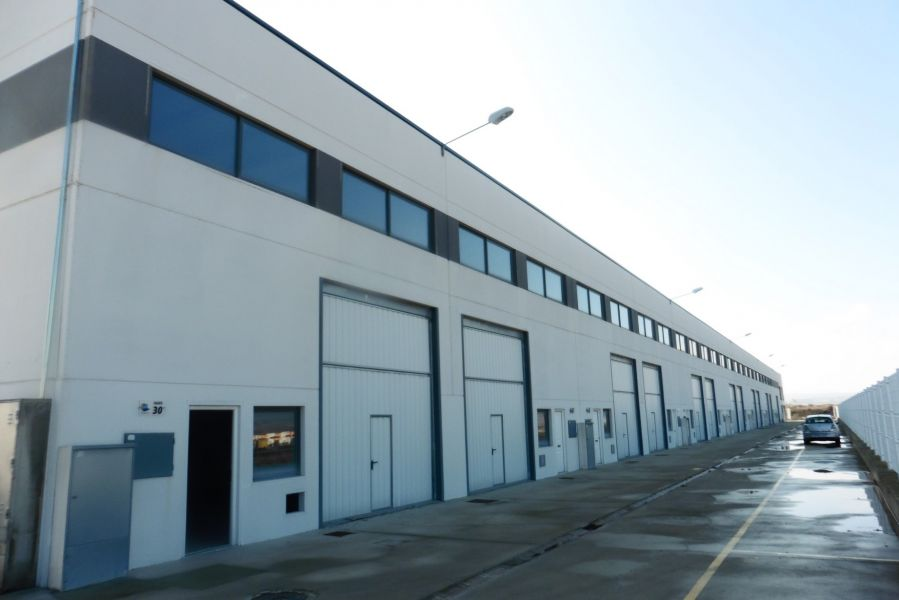 nave-industrial en zaragoza · cartuja-baja 45200€