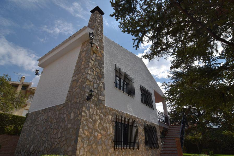 Chalet Independiente en Urbanización el Puntal, Granada